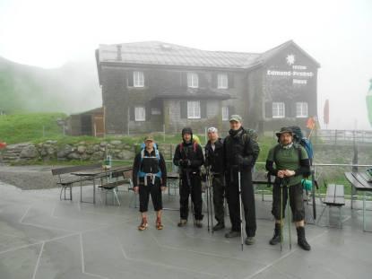 Vasemmalta: Small Guy, Phone Guy, Campingfuhrer, Tall Guy, Old Guy